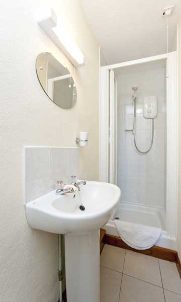 Carthouse at Budds Barns ensuite bathroom