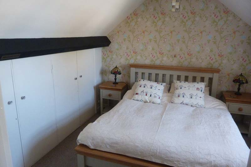 Falcon Mews Grooms Cottage Double Bedroom