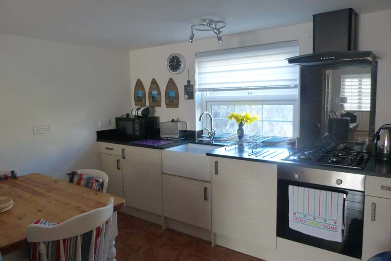Falcon Mews Grooms Cottage kitchen