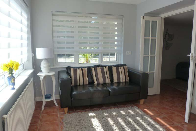 Falcon Mews Grooms Cottage lounge sofa