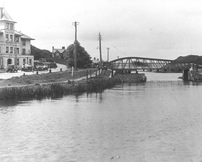 Bude Canal Bridge (Falcon Bridge)