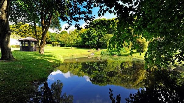Gardens_at_Broomhill-Manor