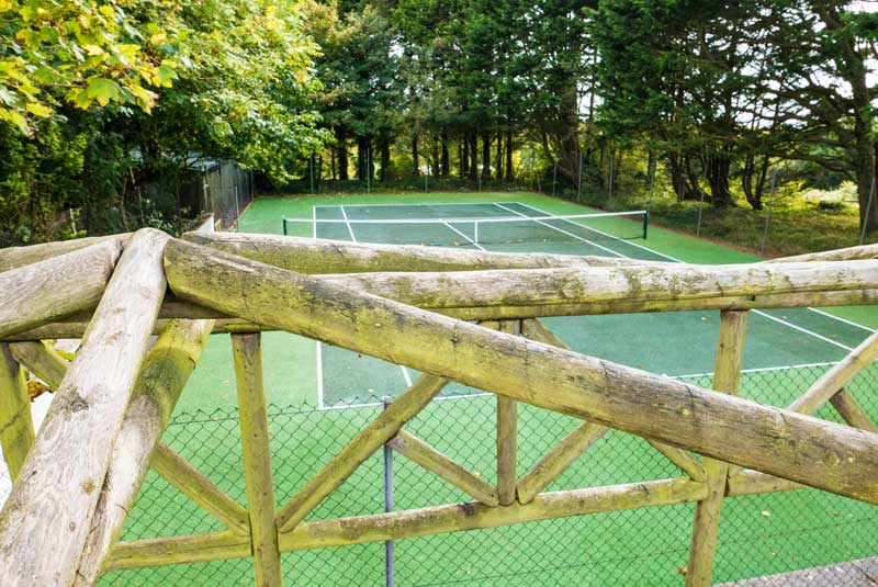 General Broomhill Manor Image tennis courts